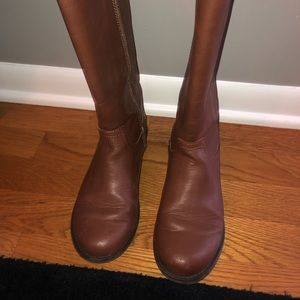 Gap kids brown boots- worn once, size 4!